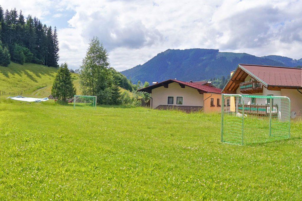 Fußballplatz - Jugendgästehaus Steiner, Eben im Pongau