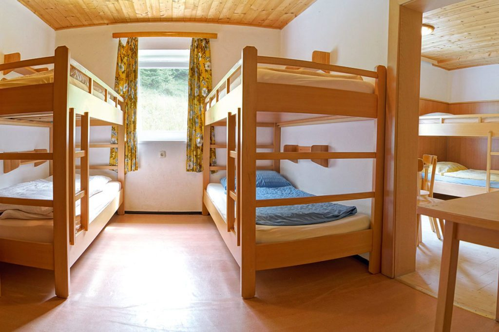 Youth bedrooms for school trips, sports weeks... in Salzburger Land