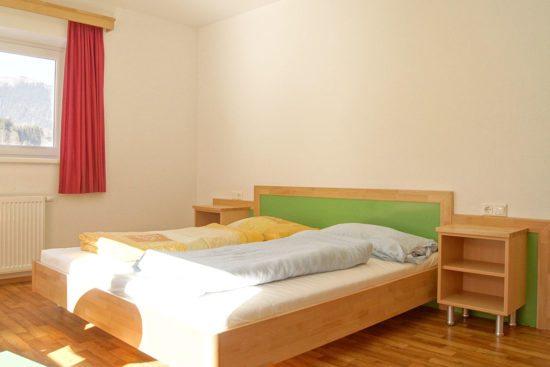 Familienzimmer im Jugendgästehaus Steiner in Eben, Salzburger Land